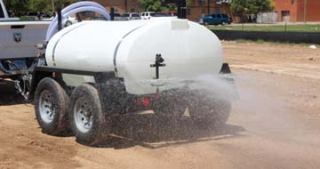 800 gallon water sprayer trailer